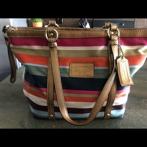 Extremely well loved Coach shoulder bag